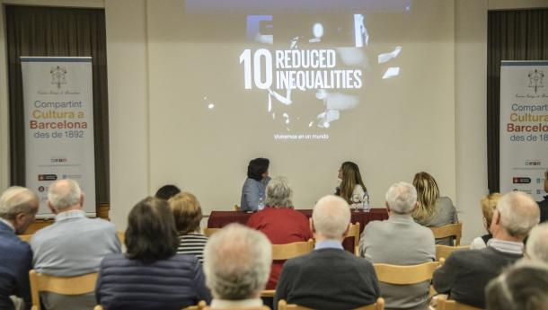 Isabel Pérez avoga por un crecemento económico que prime a inclusión social e preserve o medio ambiente
