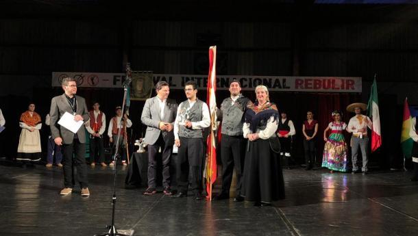 Miranda entregou o premio Rebulir do Festival Internacional 2018