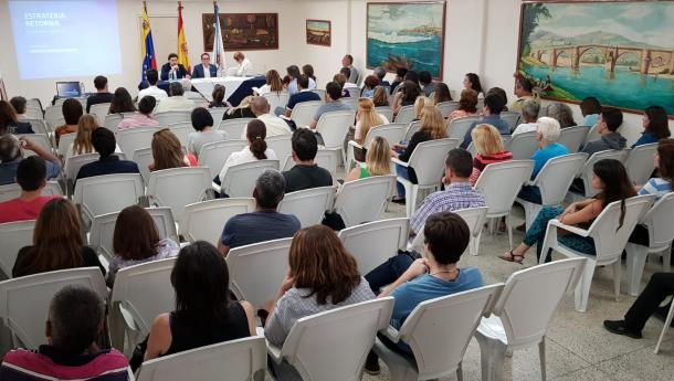 Miranda lanza en Venezuela a campaña informativa sobre a nova convocatoria das bolsas de estudos para mozas e mozos galegos residentes no exterior que queiran retornar á comunidade
