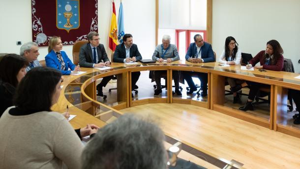Feijóo se reunió con las y los representantes de las asociaciones gallegas de venezolanas y venezolanos vinculadas a la Federación Venezolana de Galicia ( Fevega)