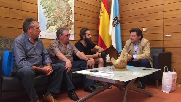 Miranda amosa o seu apoio ao labor cultural e de conservación das tradicións que desde hai 40 anos leva a cabo o Centro Galego Val do Rhin