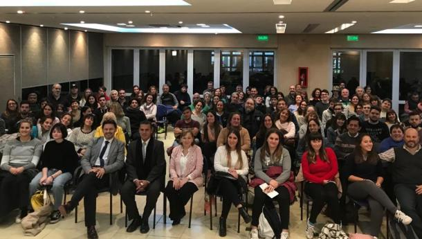 """Miranda invita os máis de 110 mozos beneficiarios de Conecta con Galicia da Arxentina e o Uruguai a """"deixarse impresionar"""" pola súa terra de orixe"""