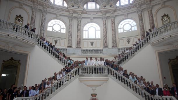 Santiago de Compostela es la ciudad elegida para la celebración del duodécimo pleno del Consello de Comunidades Galegas, que se convertirá en la capital de la Galicia exterior en diciembre
