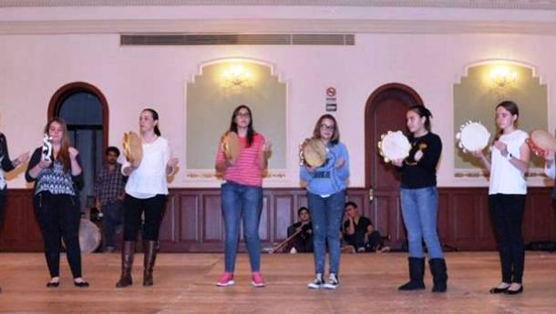 Máis de 1.000 alumnas e alumnos participarán en 35 obradoiros de folclore, artesanía e cociña galega celebrados en distintas comunidades do exterior