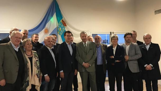 O sector pesqueiro pide a Feijóo que solicite ás autoridades arxentinas a mellora da operatividade do peirao de Puerto Madryn, un dos máis empregados pola frota galega en Arxentina
