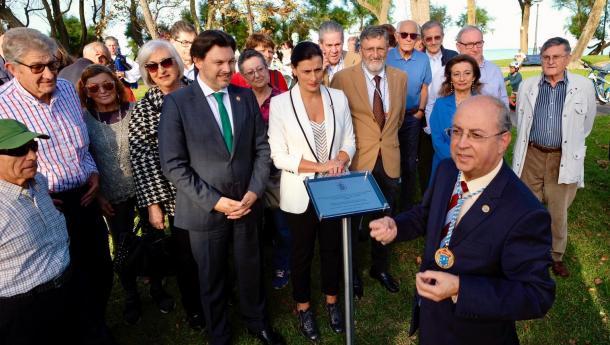 """Miranda agradece a """"dedicación e o traballo incuestionable a prol dos galegos"""" da Casa de Galicia en Cantabria no seu centenario"""